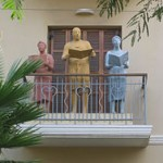 250px-Rotshield_balcony_statues